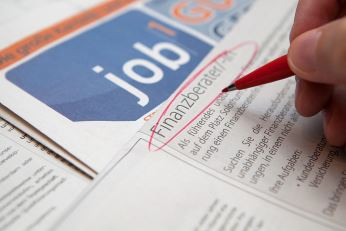 Researchers build new U.S. database that tracks job vacancies and applications, giving insight into hiring practices. Image credit: Tax Credits (Source: Flickr)