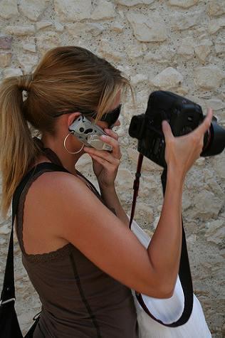 Multitasking. Photo credit: Lisa Cyr (Source: Flickr)