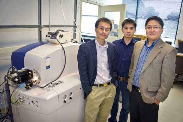 Berkeley Lab researchers (from left) Peidong Yang, Pan Mao, and Daojing Wang developed a multinozzle emitter for mass spectrometry, now being commercialized by Newomics, Inc. (Image credit: Roy Kaltschmidt/Berkeley Lab)