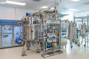 A bioreactor at ABPDU was used to scale the growth of a mixture of bacteria from 50 milliliters to 300 liters. (Image credit: Roy Kaltschmidt/Berkeley Lab).