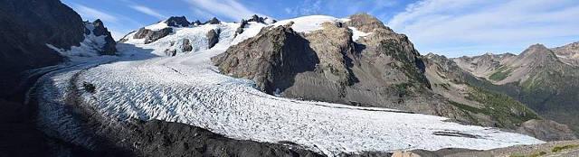 Der 2428 Meter hohe Mount Olympus in den Olympic Mountains, Blue Glacier im Vordergrund. Eismassen wie dieser Gletscher führten zu einem Anstieg der Erosion vor rund zwei bis drei Millionen Jahren. Foto credit: Lorenz Michel