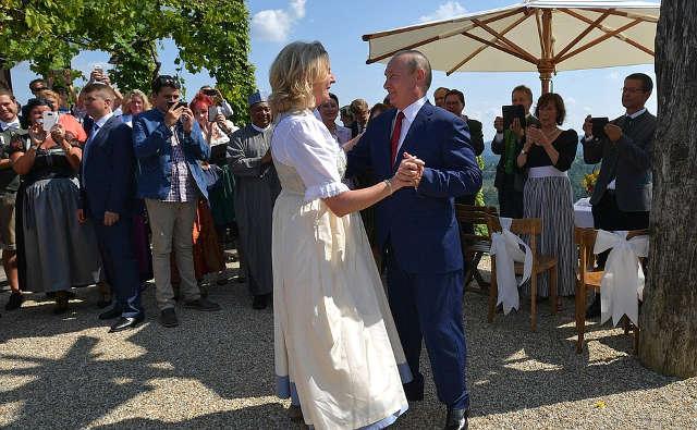 Atthewedding ofAustrian Foreign Minister Karin Kneissl andWolfgang Meilinger. Image credit: Kremlin.ru